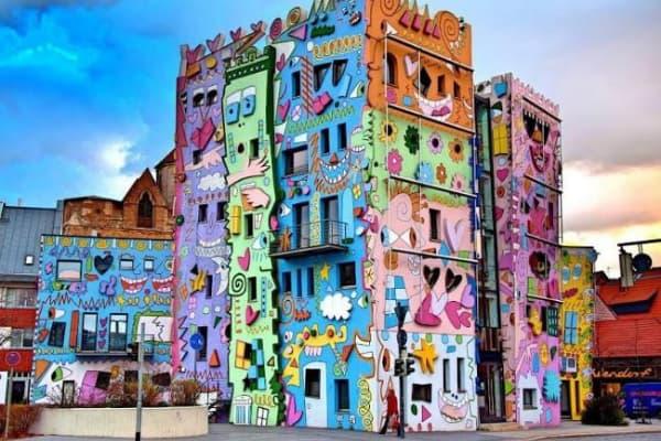 Obojene zgrade - šareno krečenje zgrada